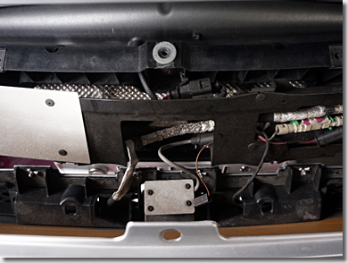 Audi R8, Bumper Cover Center Section, Removing and Installing